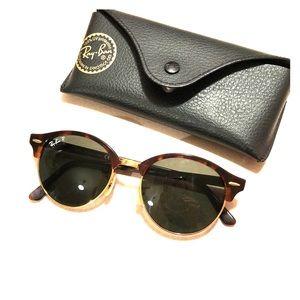 Ray-Ban Clubround Classic Polarized Sunglasses